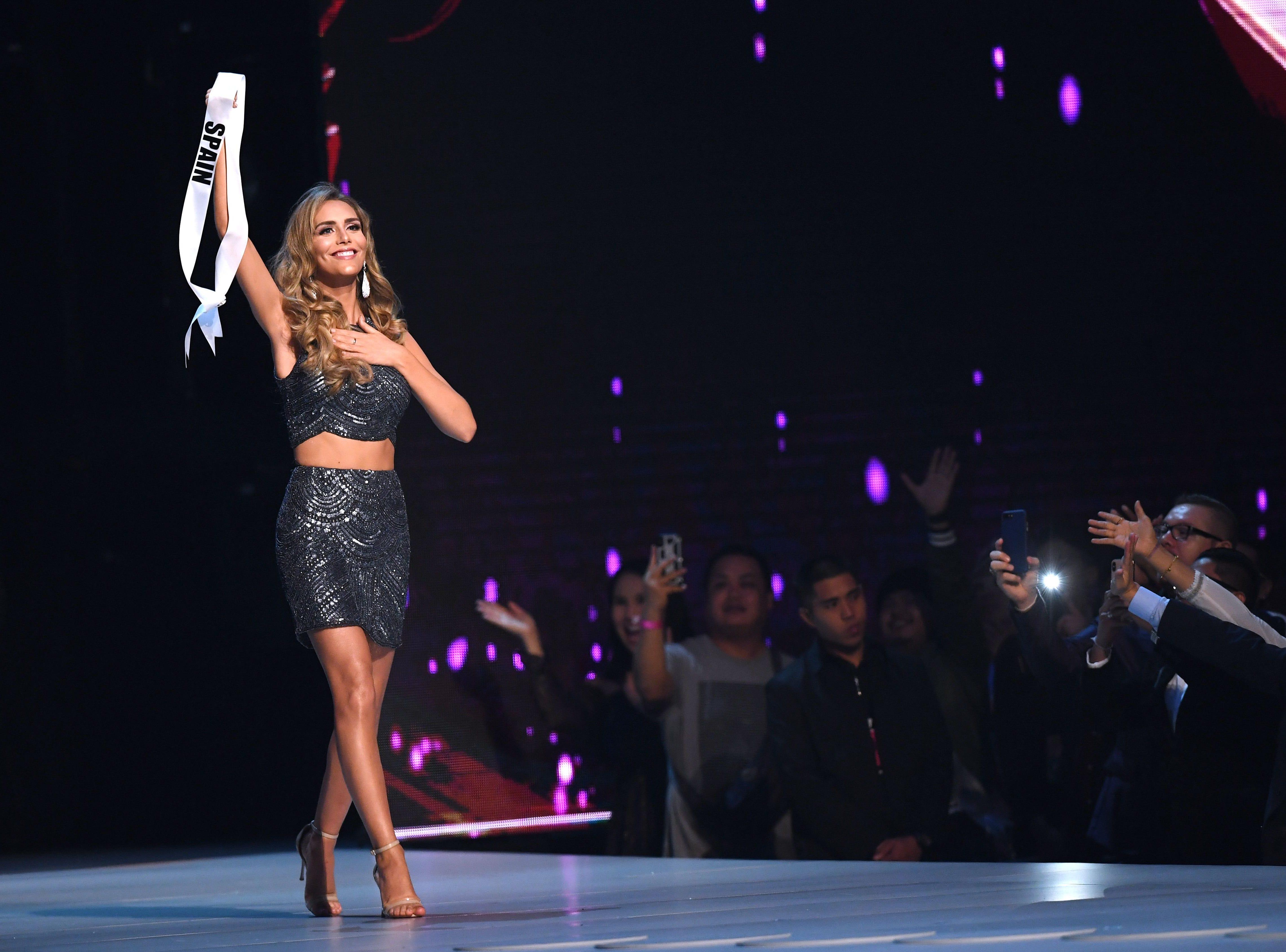 Angela Ponce, de España, pimera mujer trangénero en el concurso Miss Universo en Bangkok el 17 de diciembre de 2018.