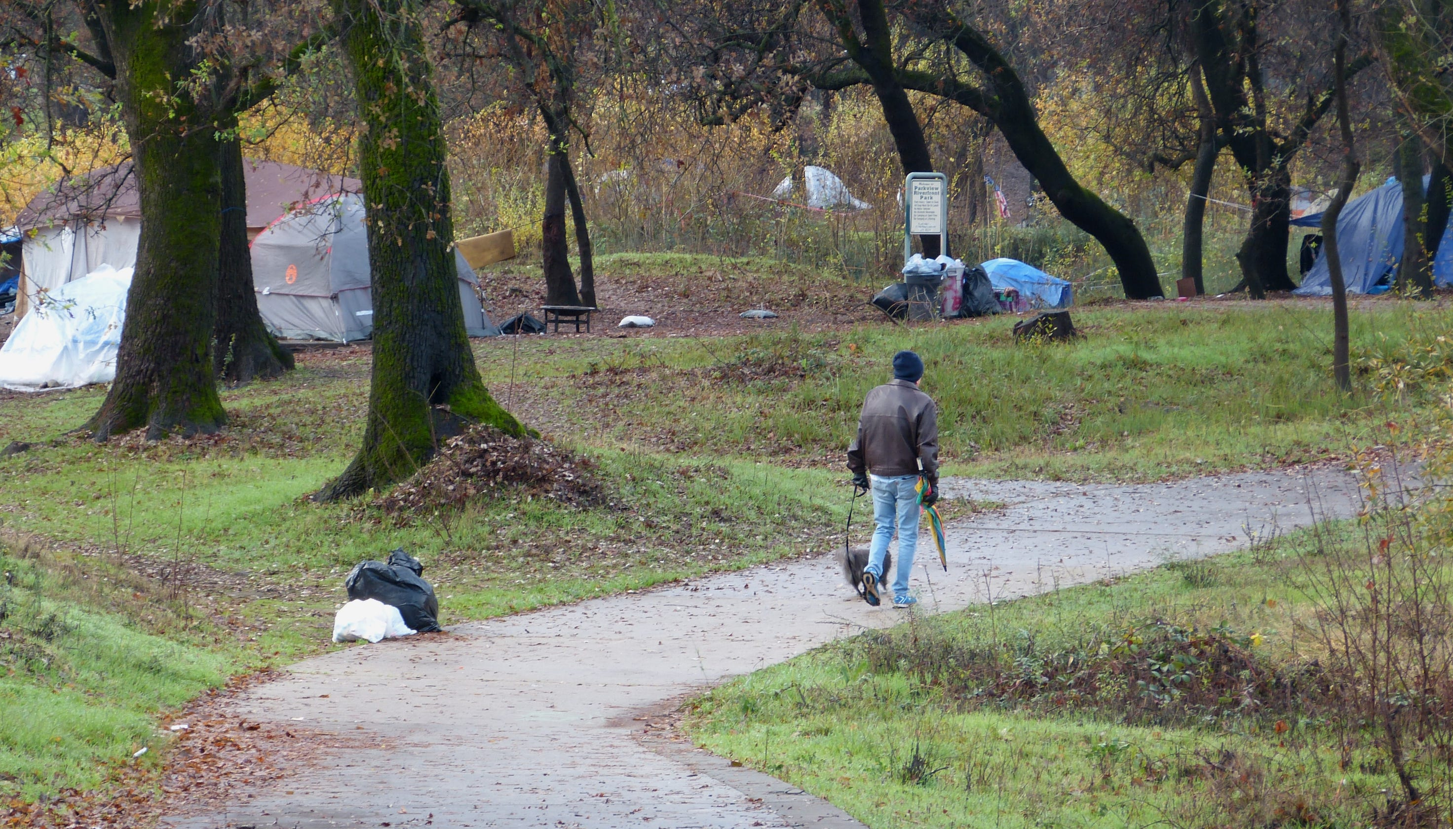 Redding's no-camping laws may change to discourage homeless tents