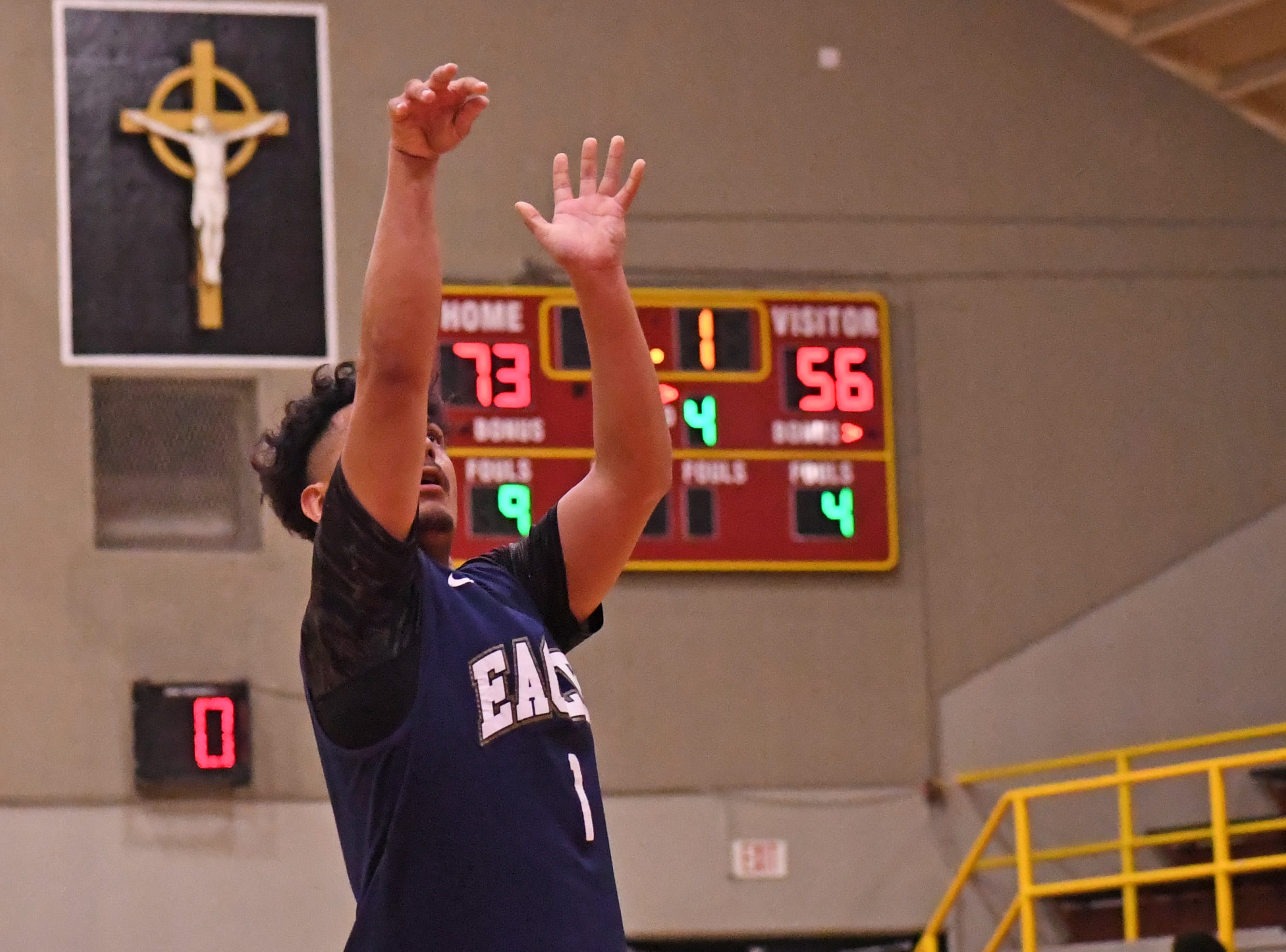 Everett Alvarez guard Isaiah Rodriguez (1) scores a free throw in the waning seconds of the game against Pittsburg.