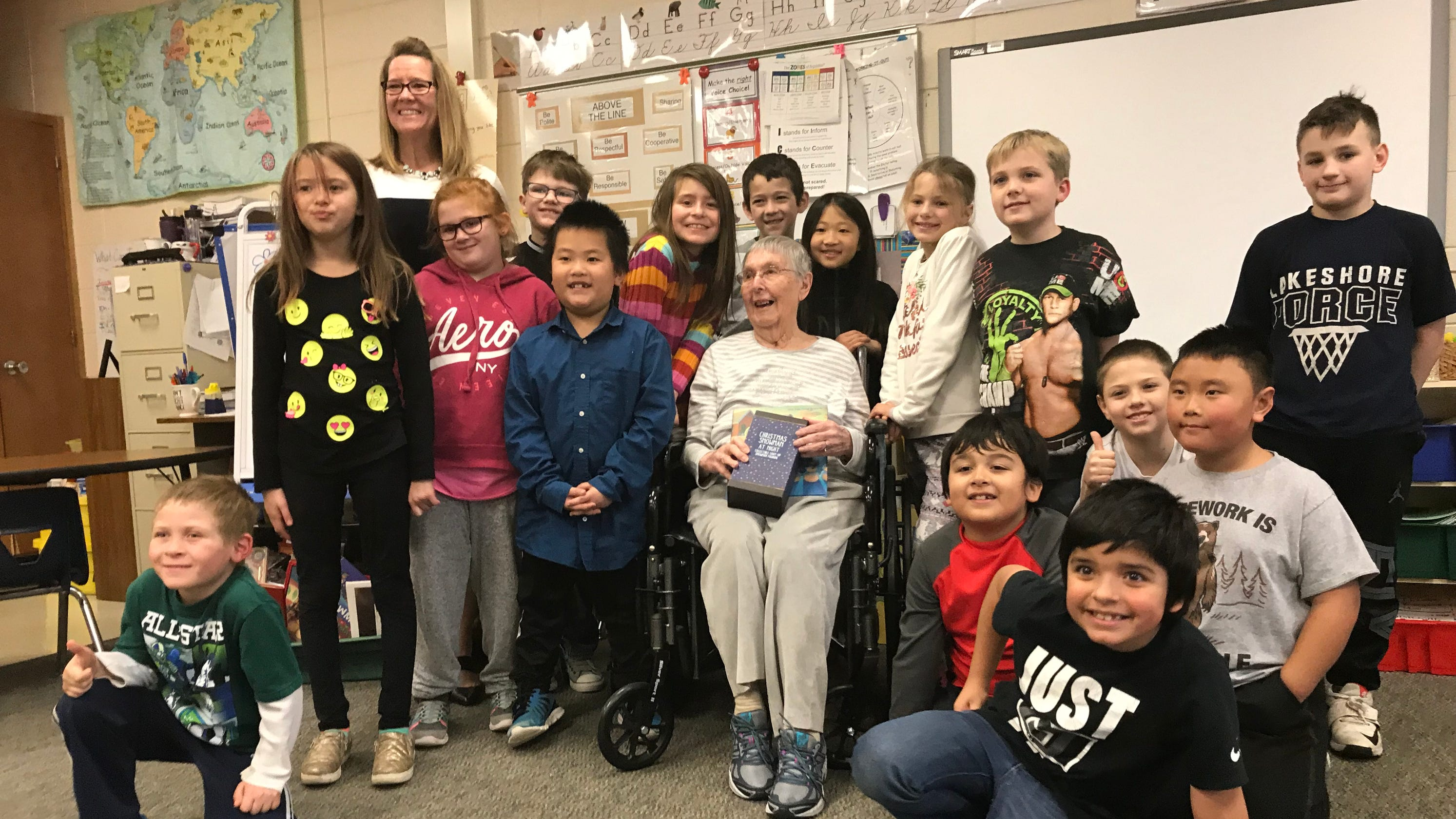 retired sheboygan teacher with alzheimer s returns to classroom