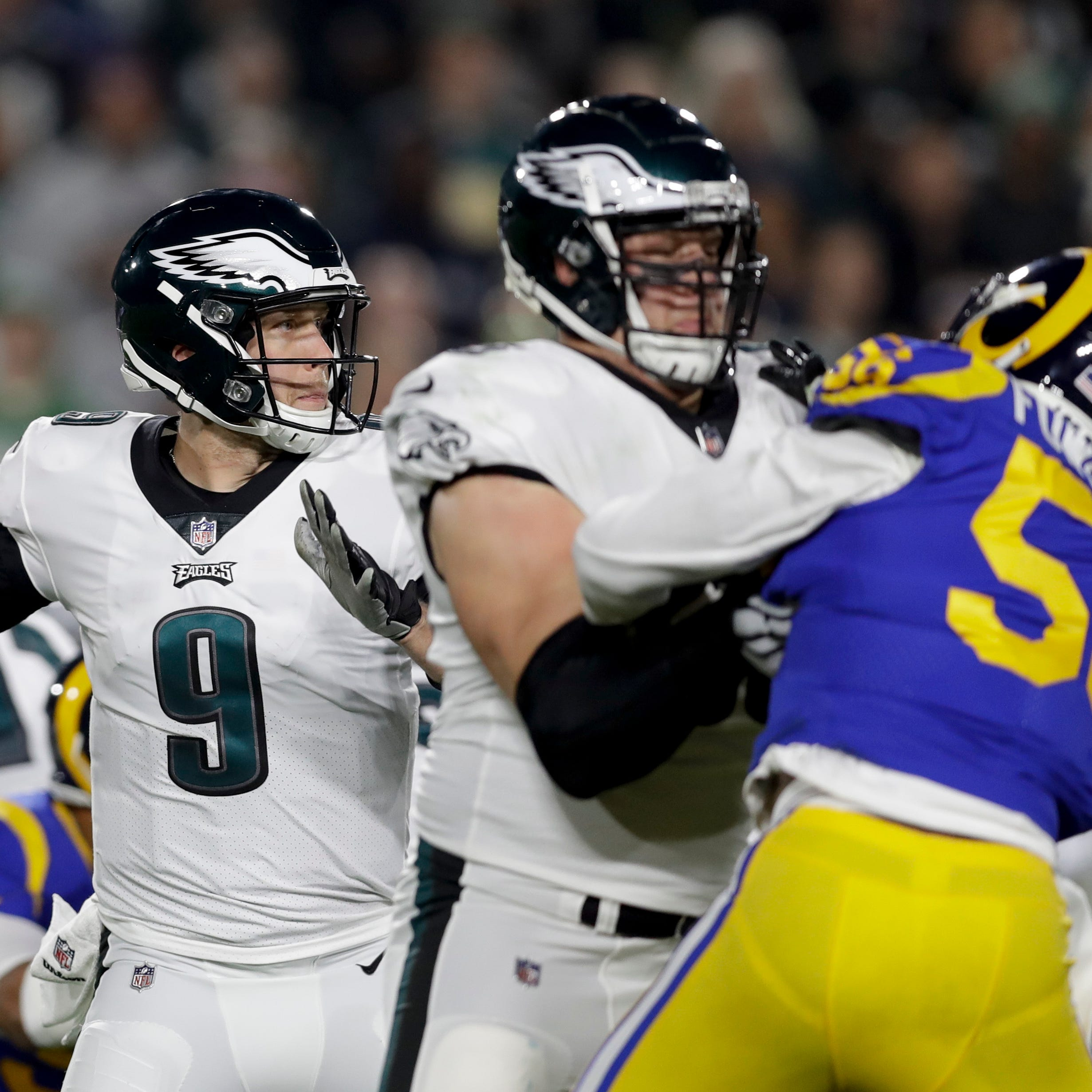 Do the Eagles have a QB controversy between Wentz and Foles? Not if you look closely