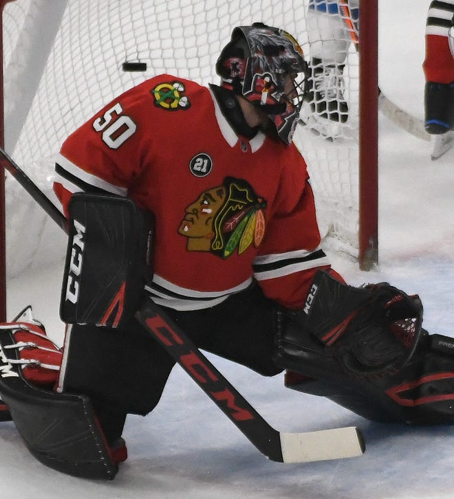 Blackhawks Goalie Corey Crawford Gets Concussion When Head Hits Post