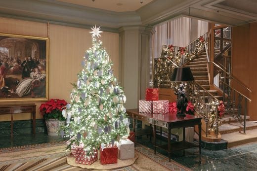 Hotels decorate for the holidays