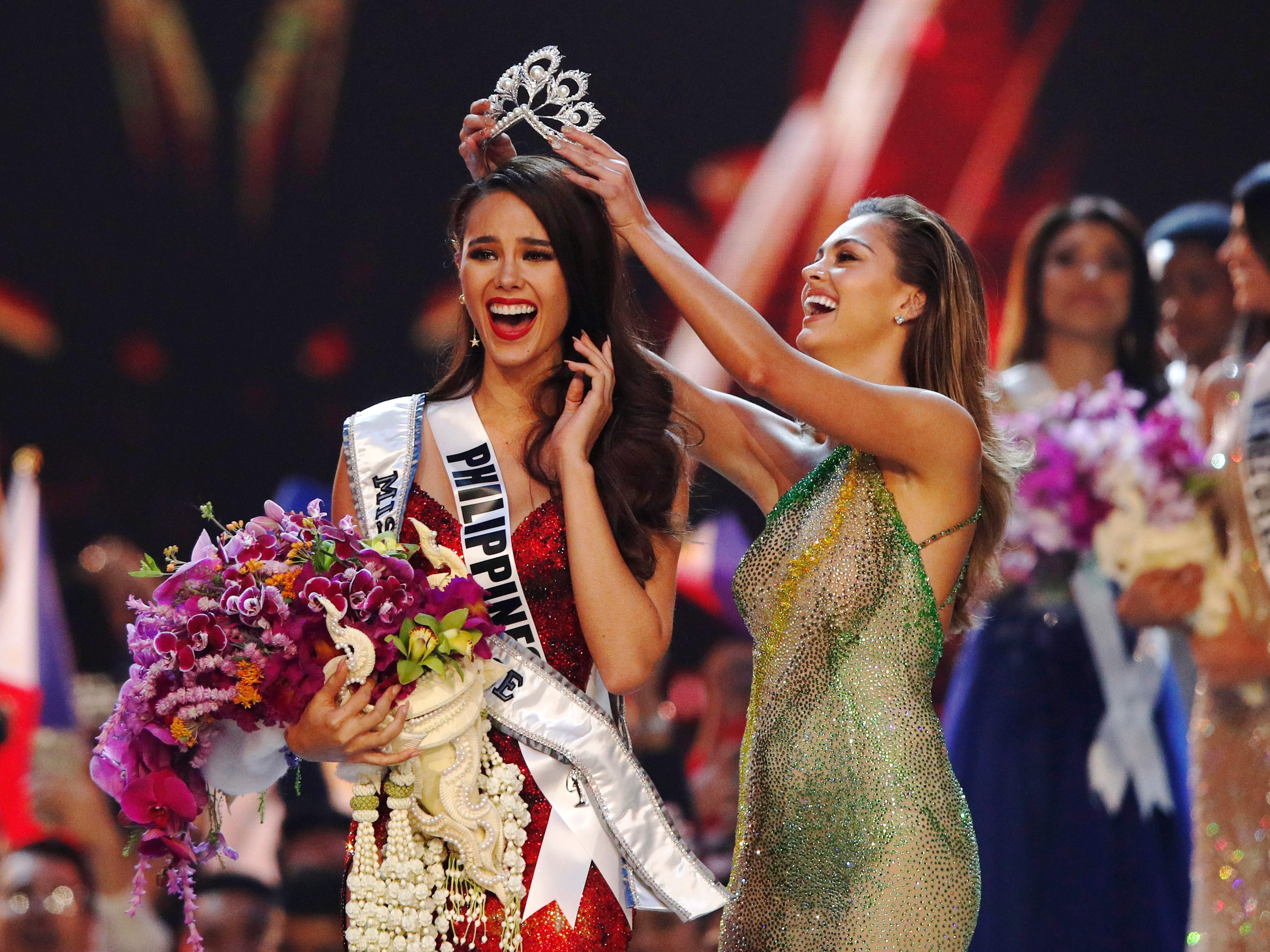 Biggest moments you missed at Miss Universe 2018: Who won, near falls and forgotten words