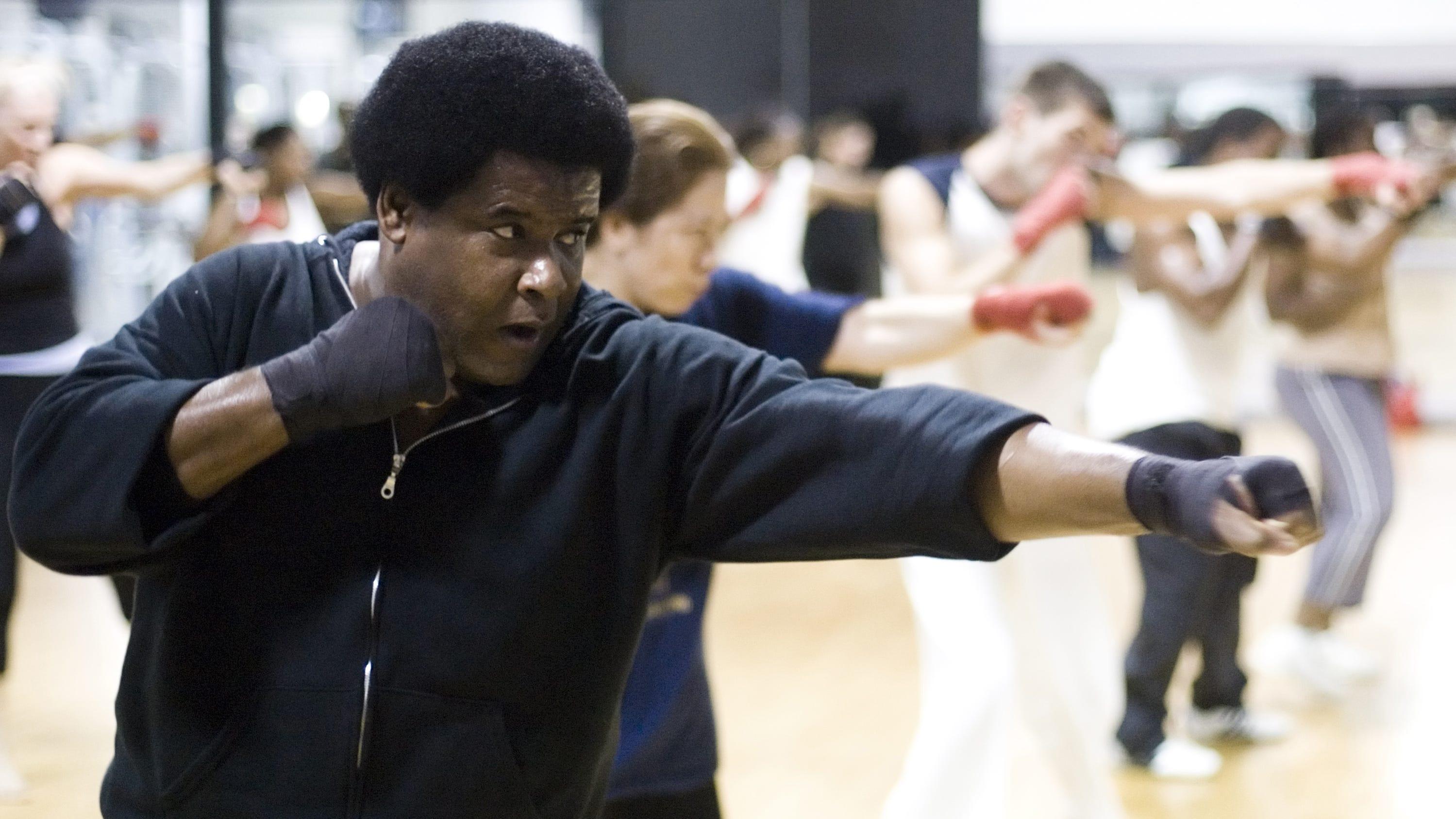 Gerald Murphy leads a kickboxing class on Nov. 13, 2007.