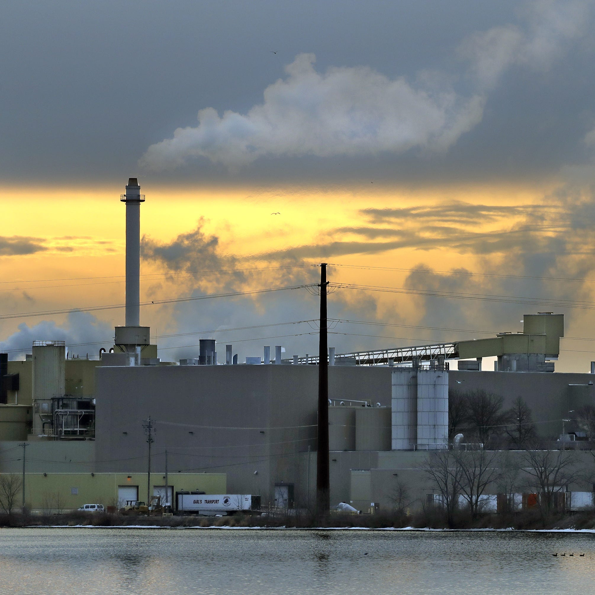 New York Times article puts spotlight on recovering Combined Locks paper mill, Fox Valley