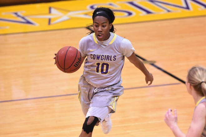 Hardin-Simmons guard Taylor Gaffney (10) brings the ball down the court against Texas-Dallas at the Mabee Complex in Abilene on Tuesday, Dec. 18, 2018. The Cowgirls will now be off until Jan. 3 at LeTourneau.