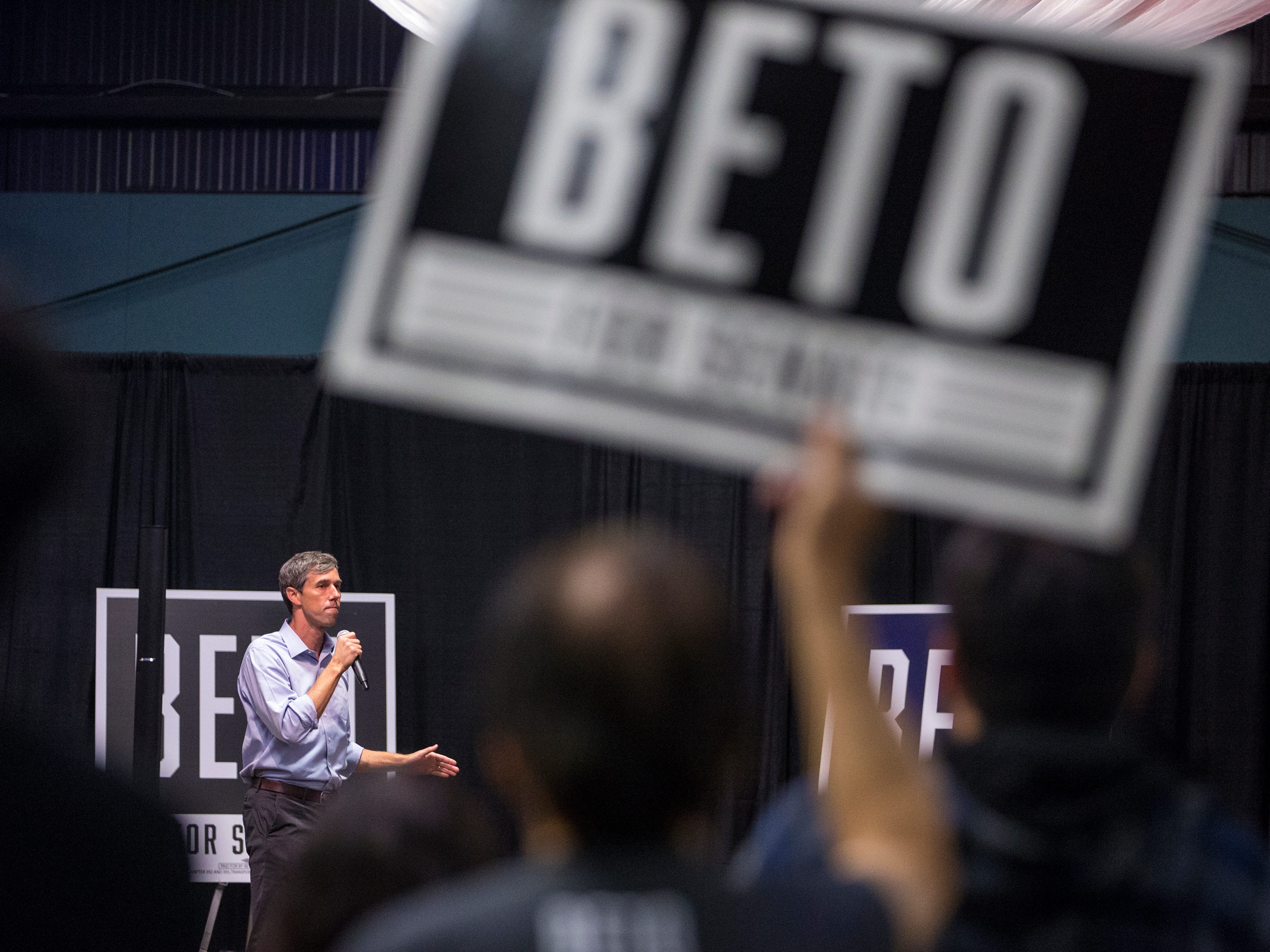 Democratic candidate Beto O'Rourke, who is running for U.S. Senate against Republican Ted Cruz, speaks to supporters at the Richard M. Borchard Regional Fairgrounds in Robstown on Thursday, November 1, 2018.