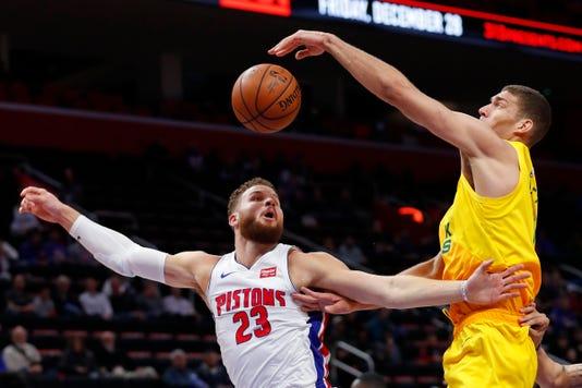 Nba Milwaukee Bucks At Detroit Pistons