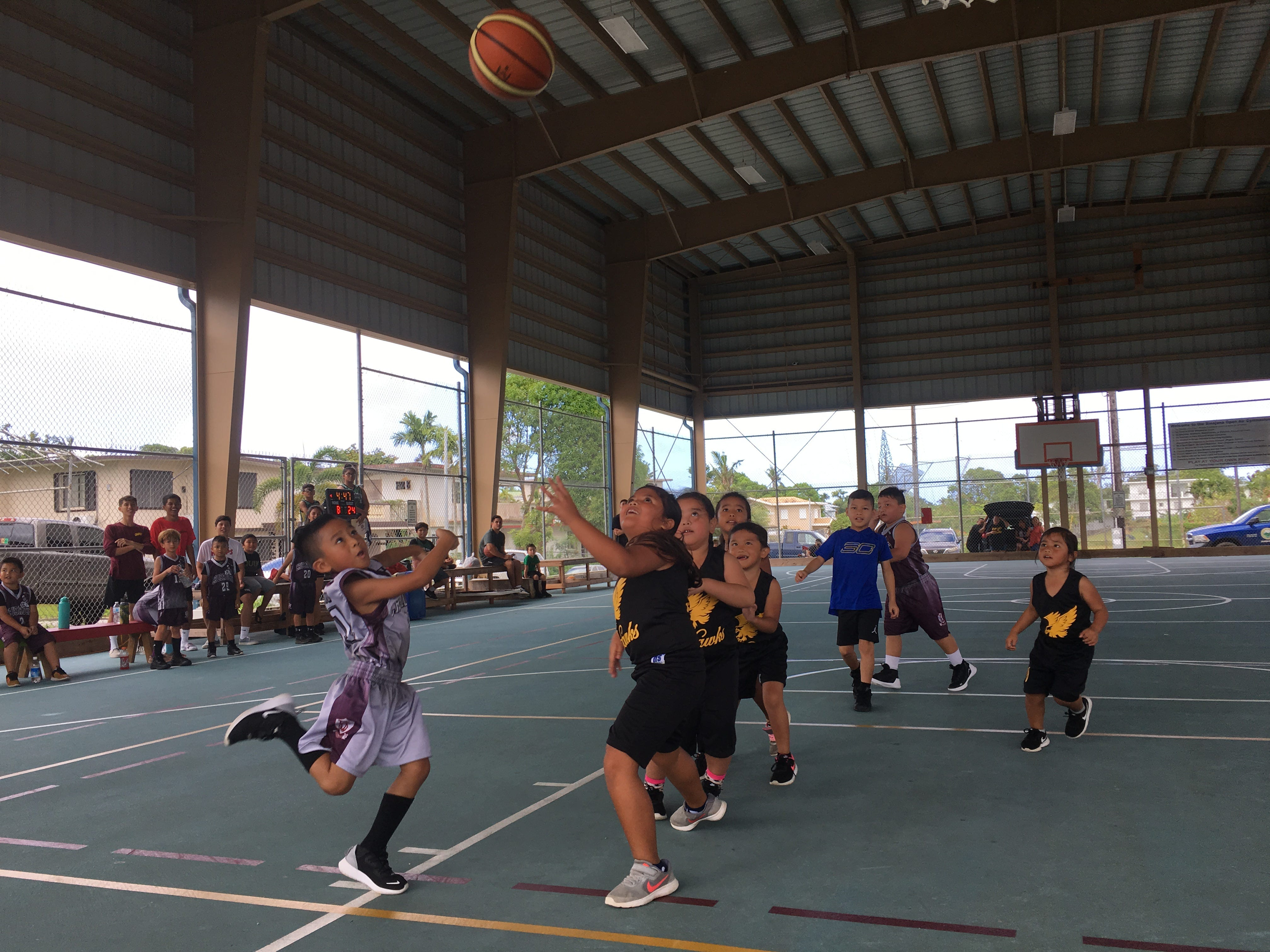 Yona Spartans excite Holiday Hoops fans with overtime basketball