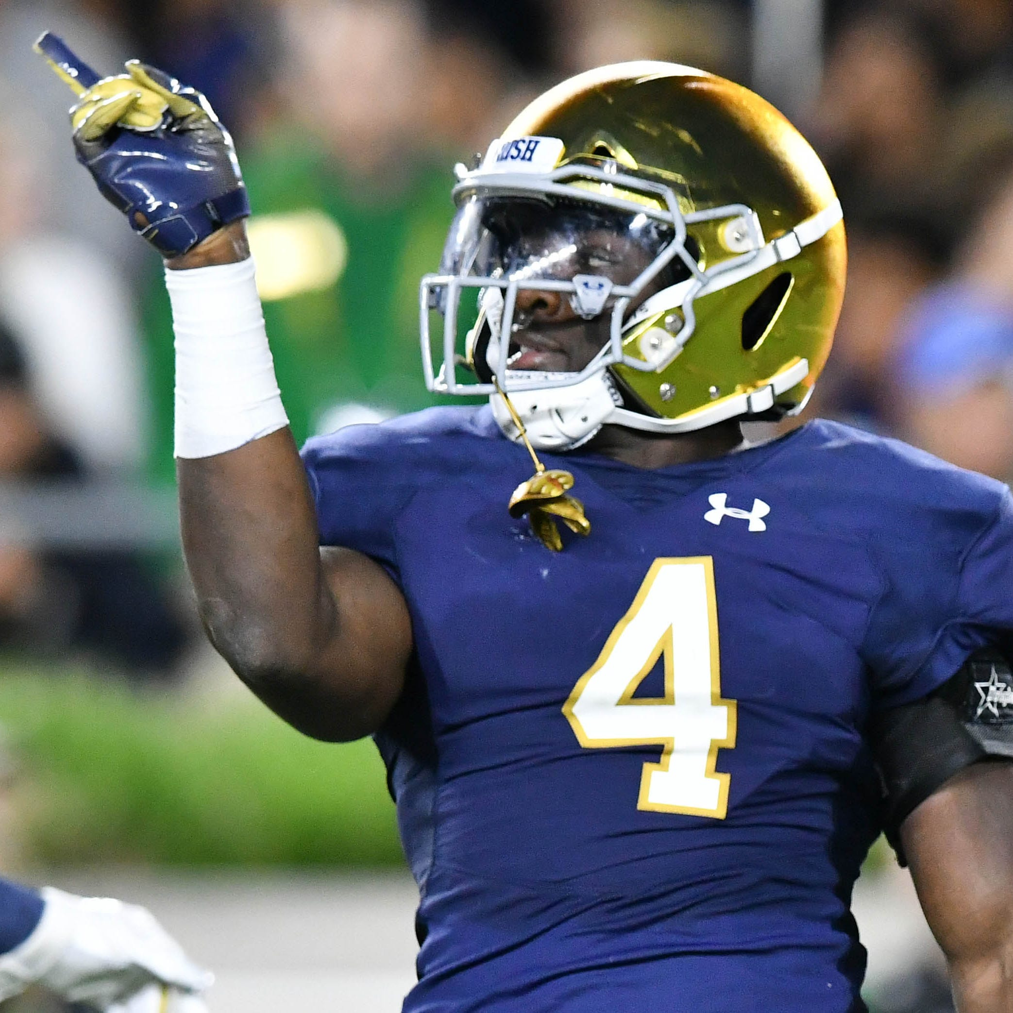With help from Jaylon Smith, Te'von Coney continues tradition of Notre Dame LBs