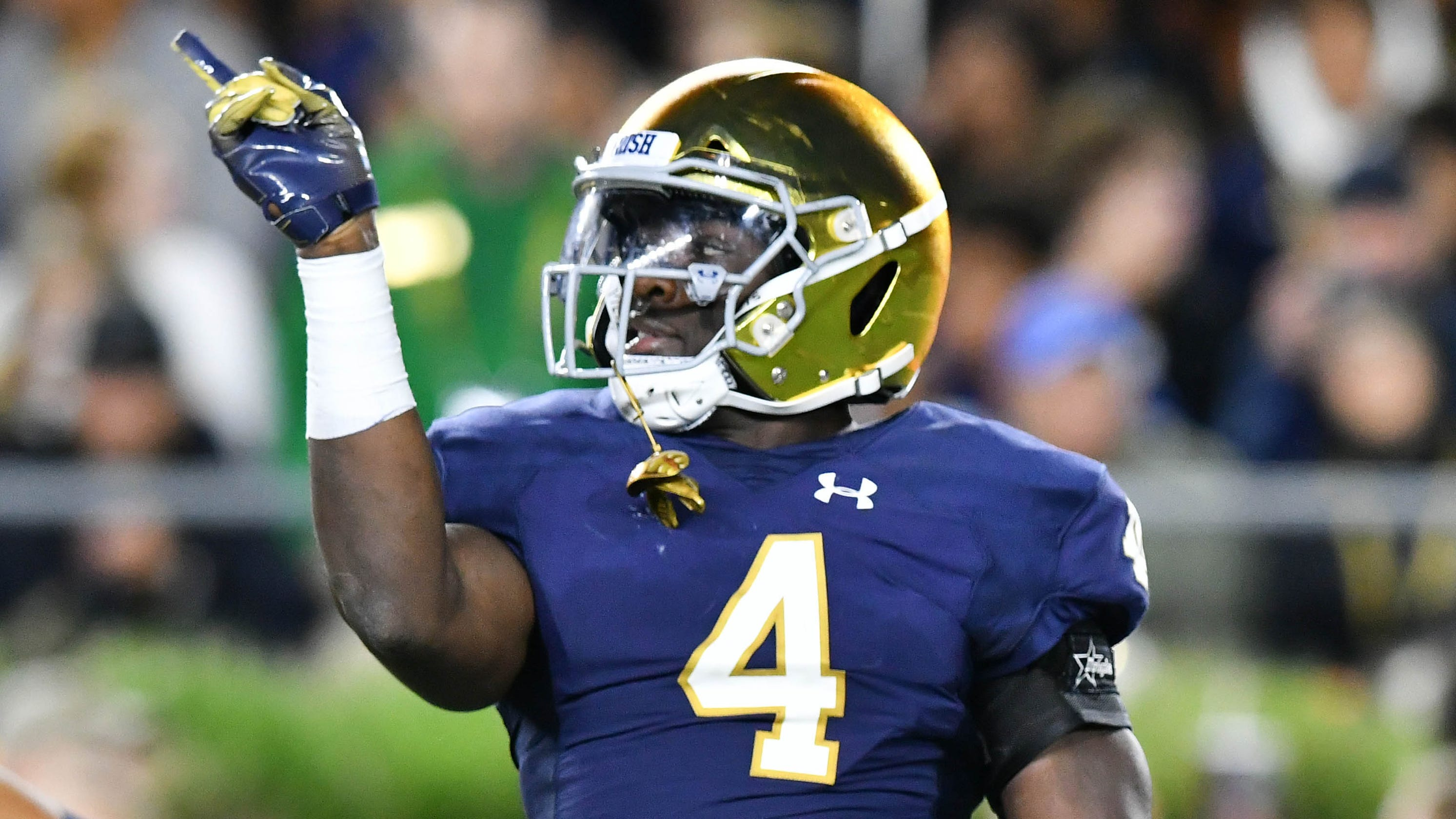 newest d0b66 66c23 Notre Dame football LB tradition continues with Te'von Coney