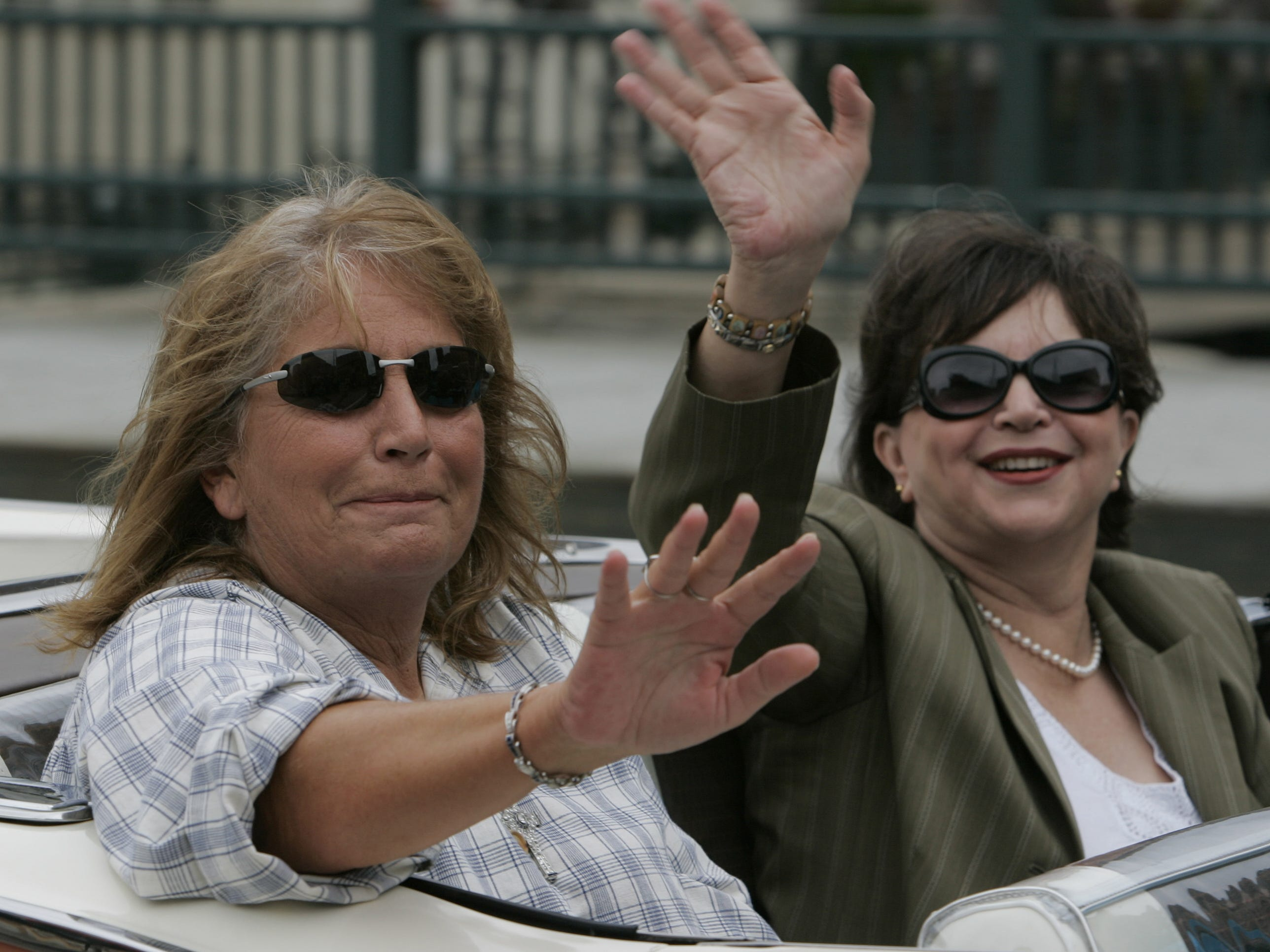 """Penny Marshall (left) and Cindy  Williams, who played Laverne and Shirley on the TV show of the same name, arrive at Milwaukee's RiverWalk for the dedication of """"The Bronz Fonz,"""" a statue commemorating Henry Winkler's """"Happy Days"""" character, on Aug.19, 2008."""