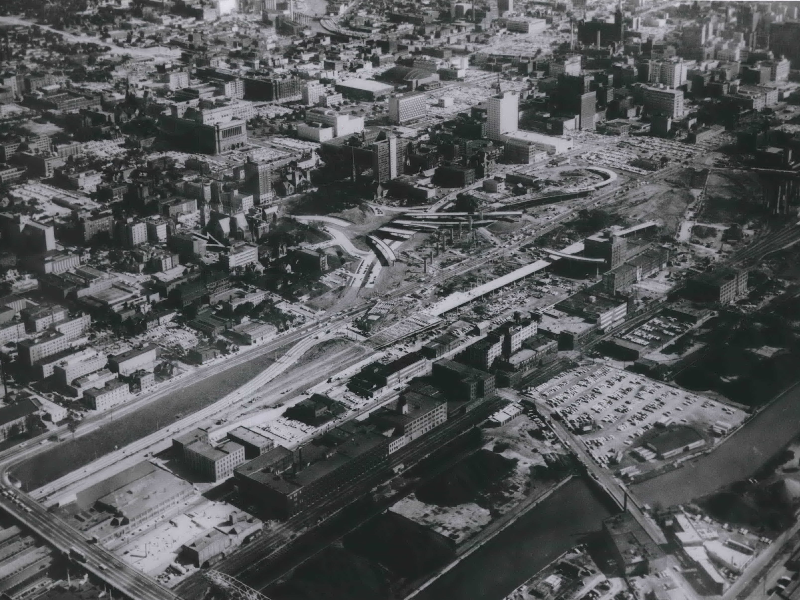 Fingers of the new Central Interchange (center) begin reaching for the East-West Freeway in the fall of 1965. This photo was published in the Oct. 1, 1965, Milwaukee Sentinel.