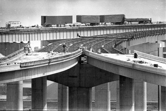 Work continues on the ramps to the High-Rise Bridge from the Central Interchange in the spring of 1968. (The project was renamed the Marquette Interchange that fall.) This photo was published in the June 14, 1968, Milwaukee Sentinel.