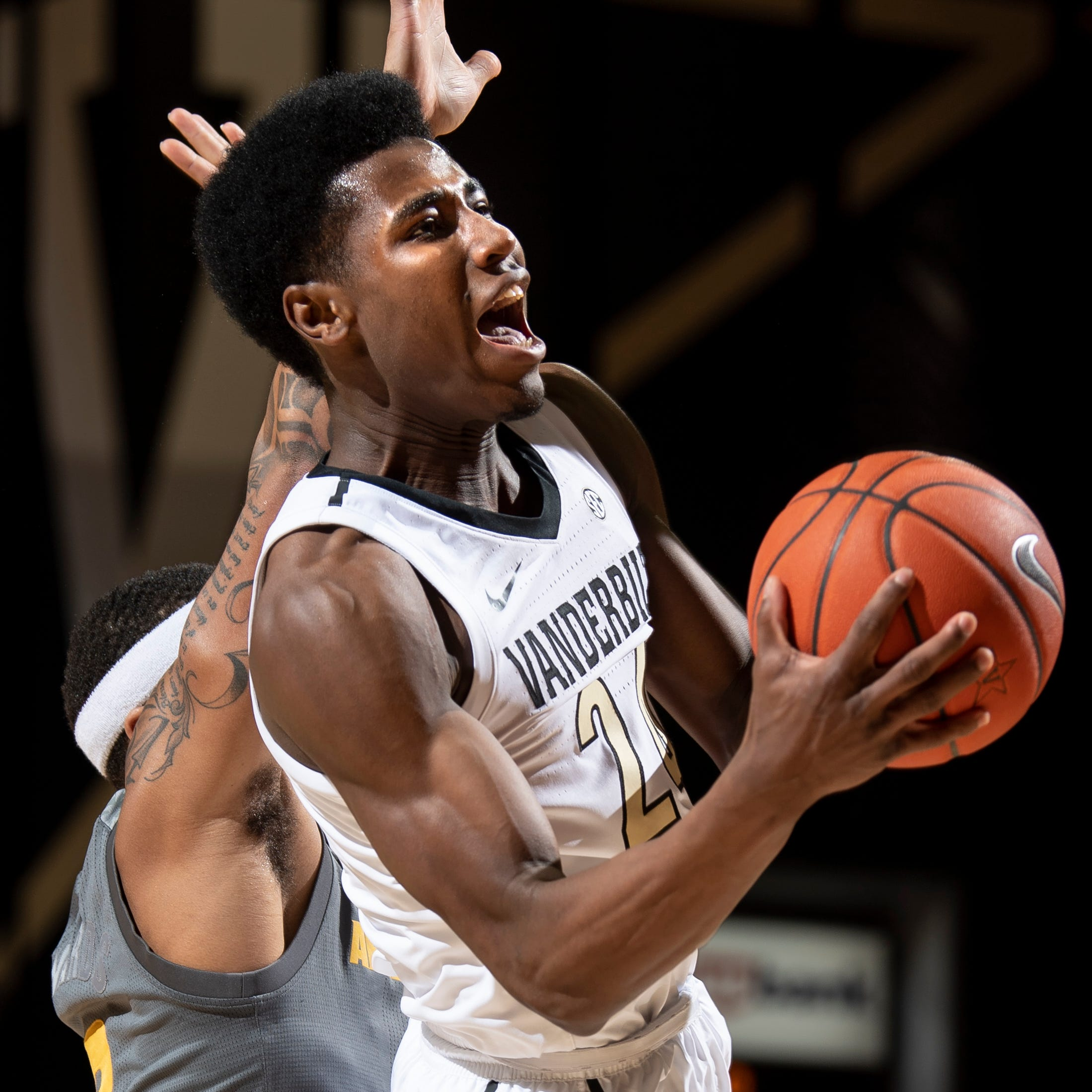 Vanderbilt basketball upsets No. 19 Arizona State with boost from bench