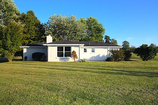 ROBERTSON COUNTY: 5102 Hwy 49W, Springfield 37172