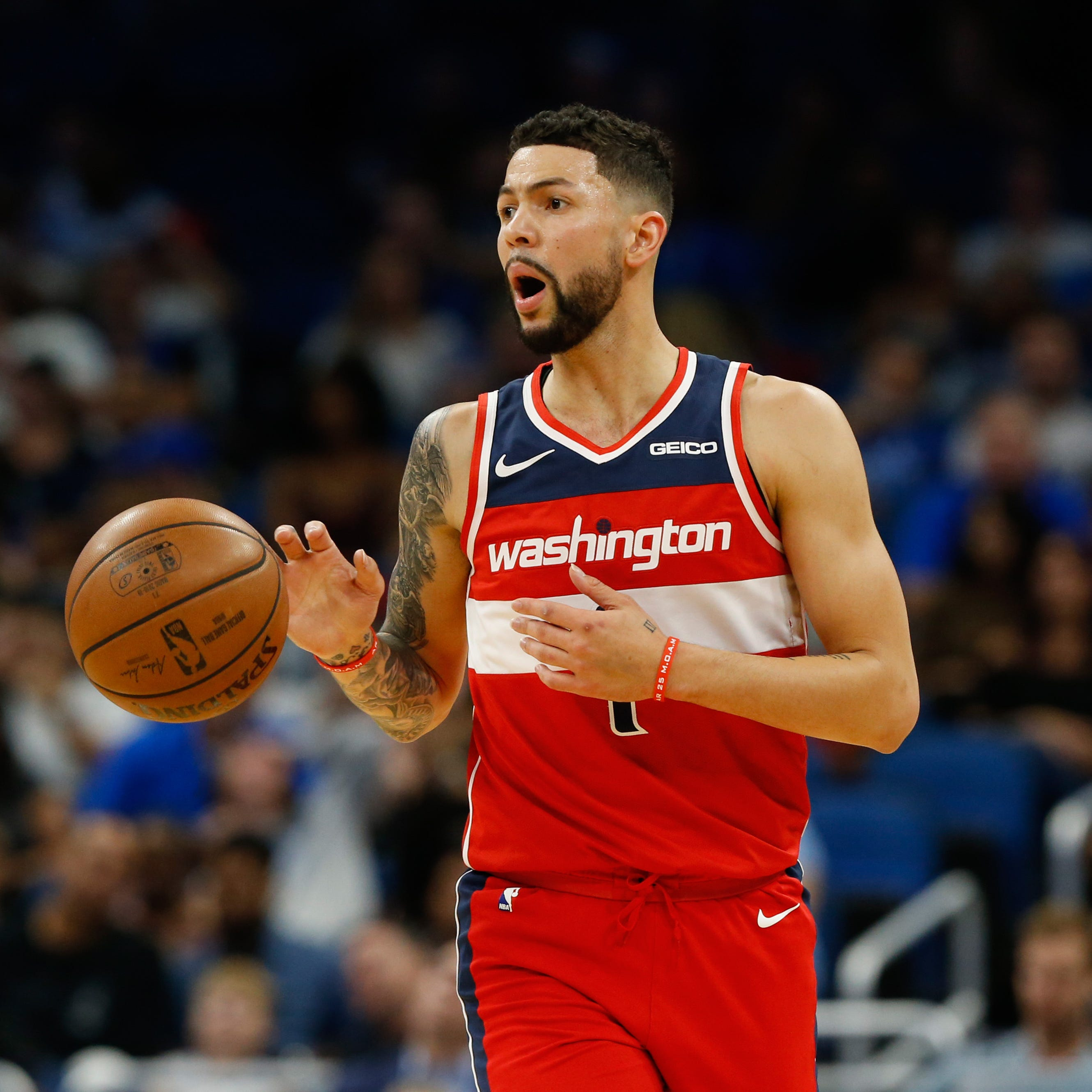 Suns parting ways with Austin Rivers after trade, source says