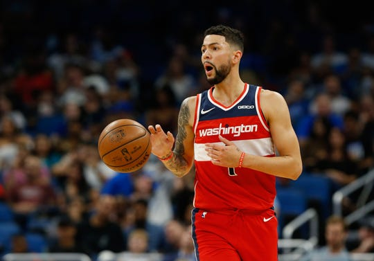 Nov 9, 2018: Washington Wizards guard Austin Rivers (1) dribbles the ball during the second quarter at Amway Center.
