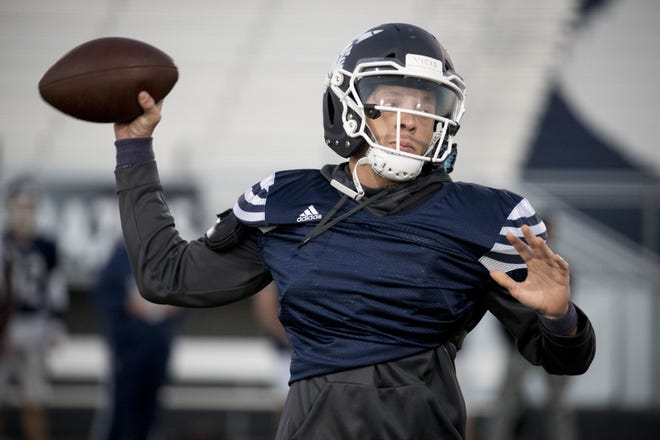 Pinnacle quarterback Spencer Rattler is signing with Oklahoma.