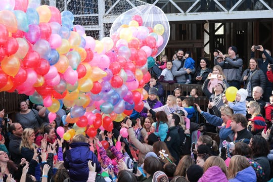 Enjoy a kid-friendly New Year's Eve at Gilbert House Children's Museum with crafts, photo ops and a noon balloon drop, 10 a.m. to 2 p.m. Monday, Dec. 31.