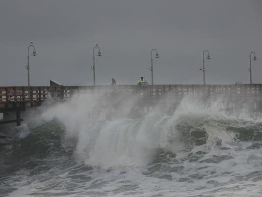 Ventura pier waves