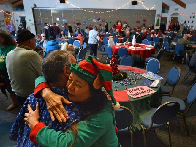 Last year's annual Christmas Day dinner hosted by Thousand Oaks reform synagogue Temple Adat Elohim for the Conejo Valley's needy population. This year, the dinner invitations are also being extended to victims of last month's Woolsey and Hill fires.