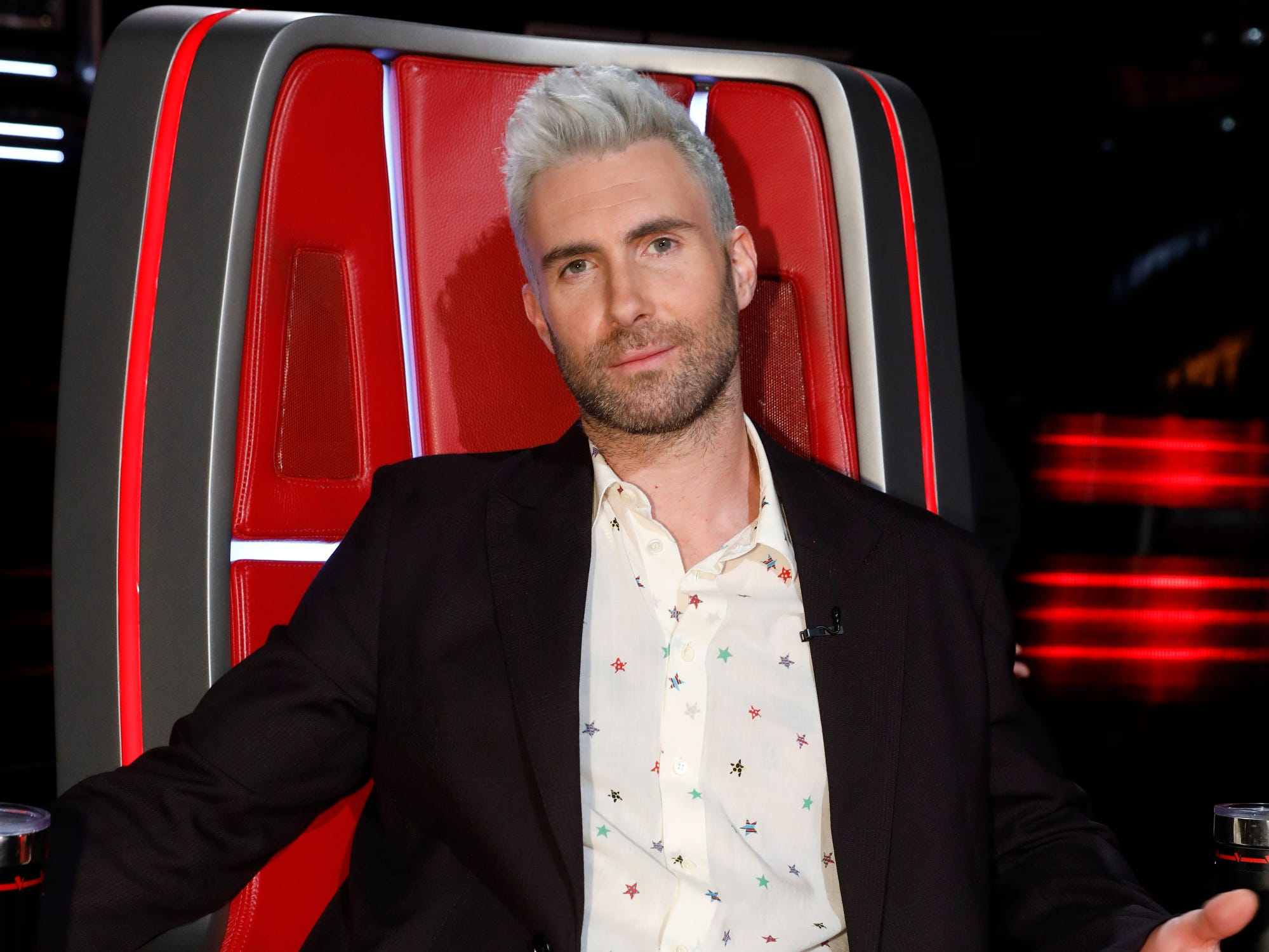 Adam Levine didn't have a contestant in the Season 15 finale but that didn't stop him from making statements, including with his holiday-themed pants.