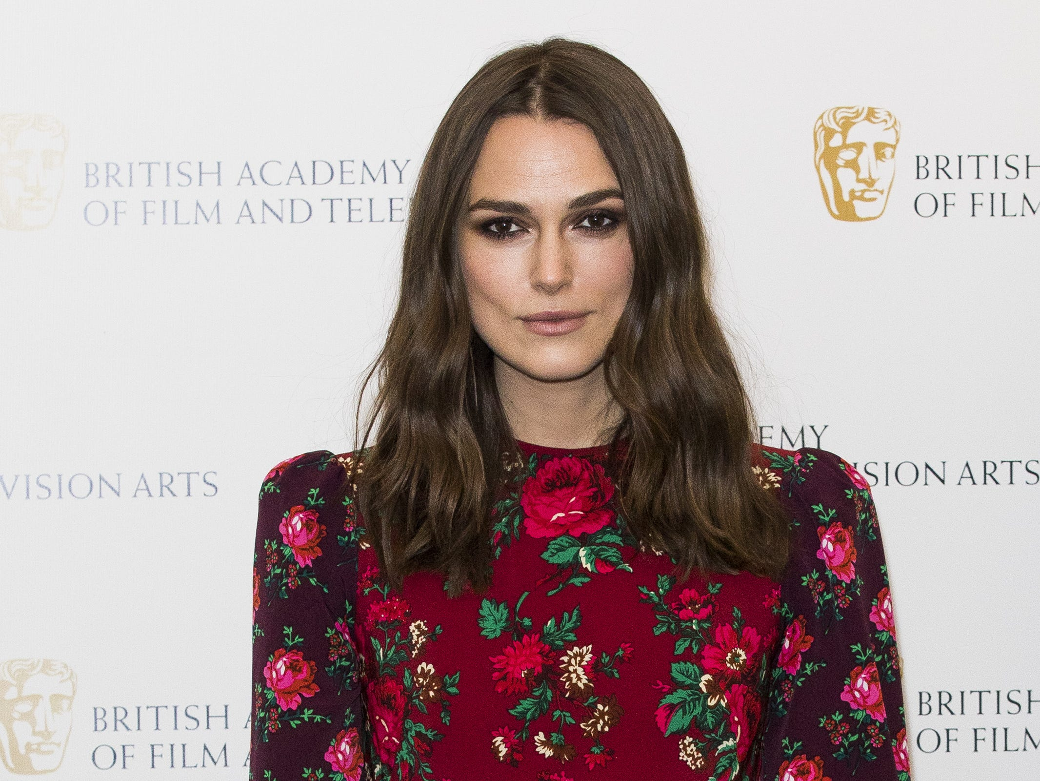 LONDON, ENGLAND - DECEMBER 17: Keira Knightley attends her 'A Life In Pictures' photocall at BAFTA on December 17, 2018 in London, England. (Photo by Tristan Fewings/Getty Images) ORG XMIT: 775270351 ORIG FILE ID: 1083797384