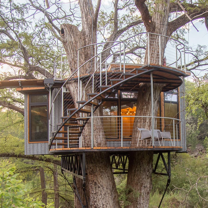 Will Beilharz, designer and founder of ArtisTree, has completed the Yoki House, the fifth eco-luxury addition to the treehouse resort at Cypress Valley Canopy Tours in central Texas.