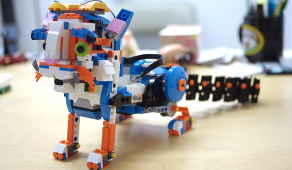 The cat model from the LEGO BOOST kit.