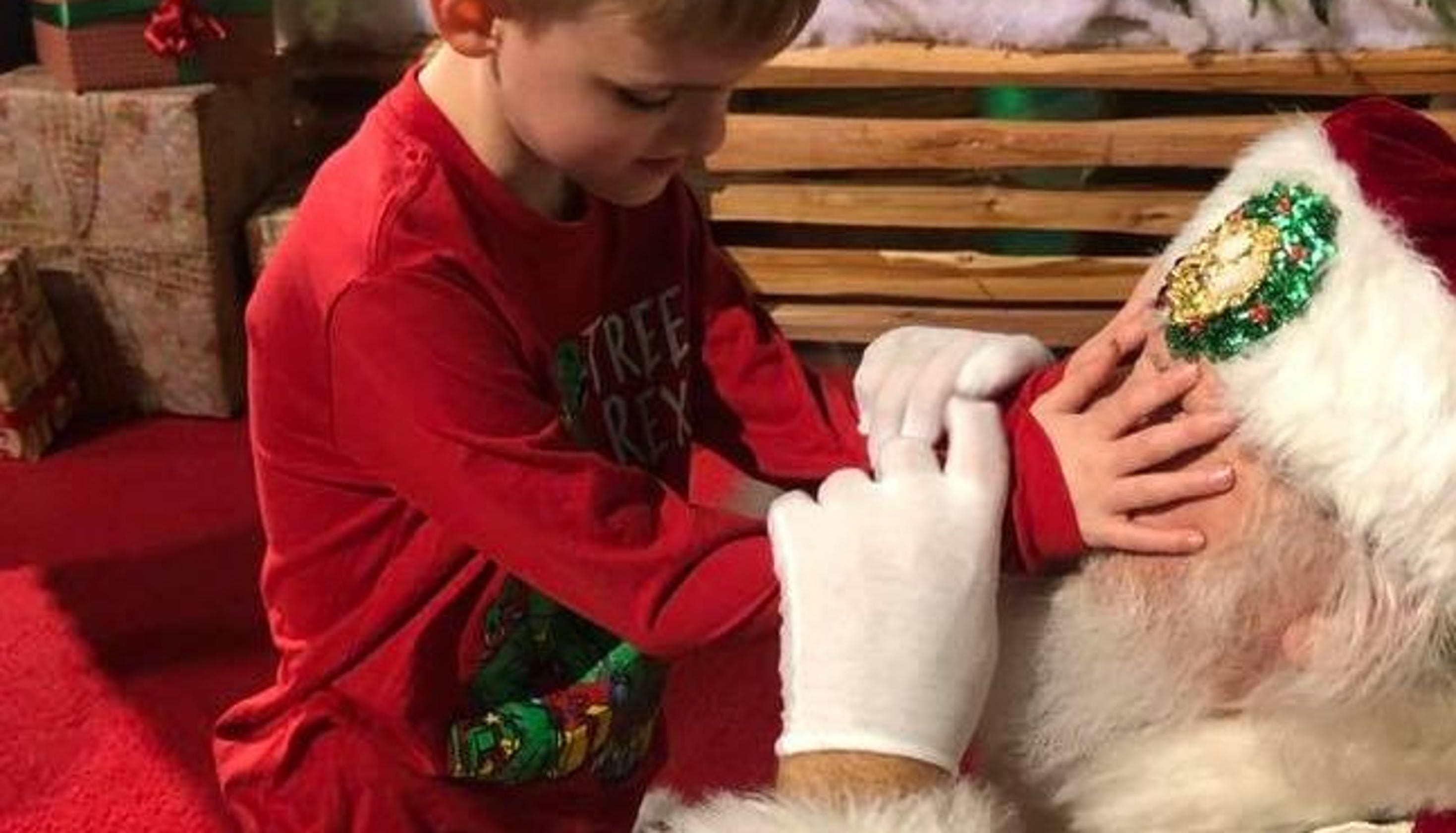 The Controversy Over Autisms Most >> Mom S Post Of Blind Son With Autism Meeting Santa Goes Viral For All