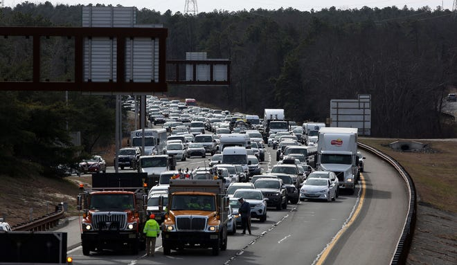 An accident on the Garden State Parkway Northbound has closed all but 1 lane of traffic at Lacey Rd. Lacey Township, New Jersey. Wednesday, December 19, 2018. David Gard /Correspondent