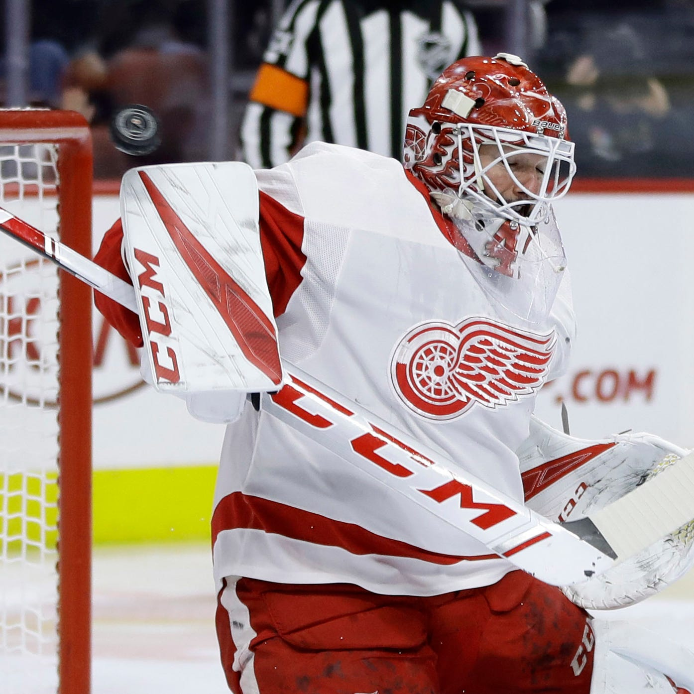 Red Wings lose Howard, game in rough night in Philadelphia