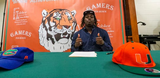 Derick Hunter picked Texas A&M. Dunbar held its signing ceremony in the cafeteria for 3 football players. Derick Hunter, picked Texas A&M, Seneca Milledge, a long time commit to Virginia, as well as Major Williams, joining his teammate in Virginia