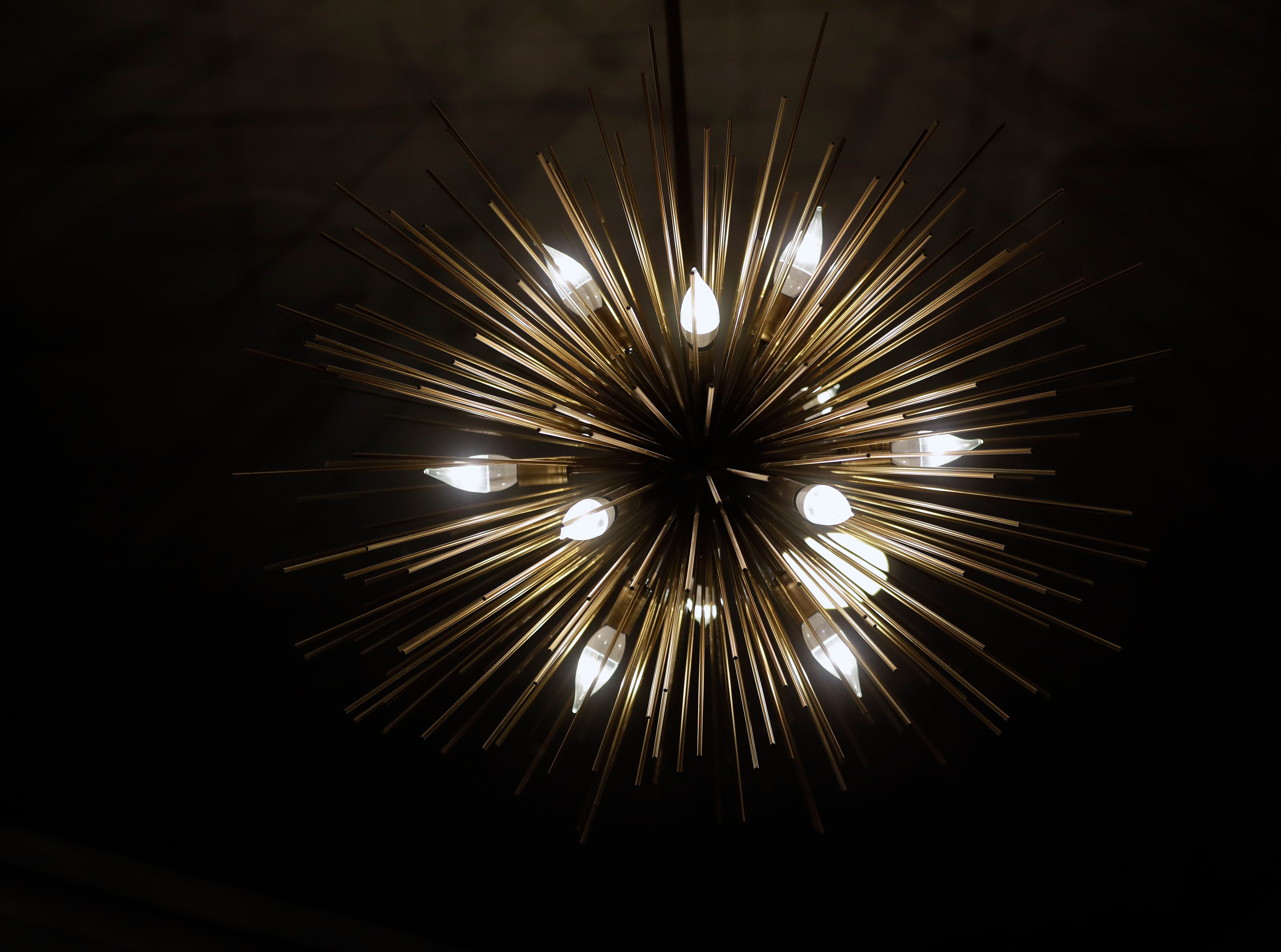 A light fixture on the ceiling in Hotel Northland's Walnut Room.