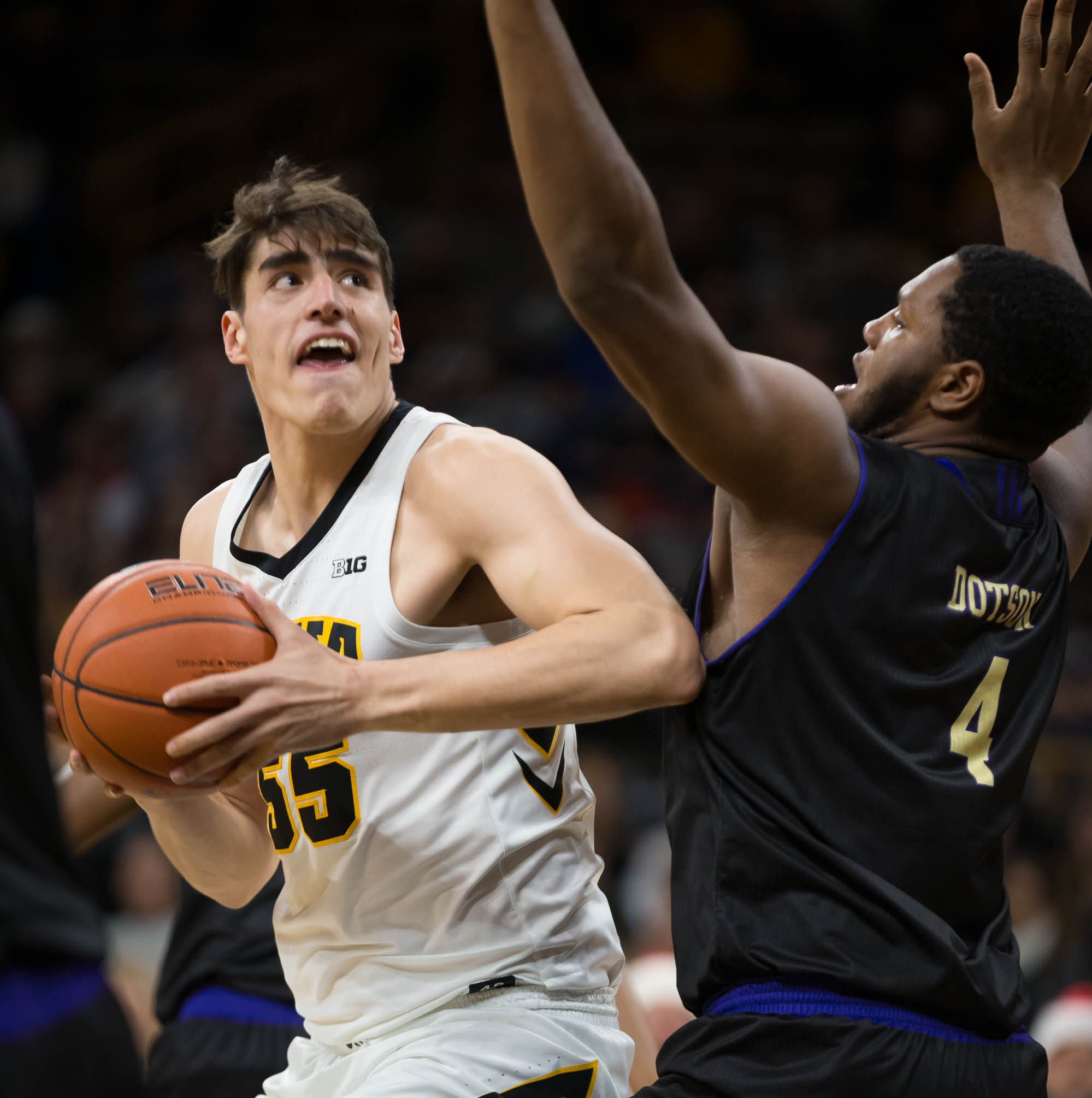 Iowa hoops takeaways: Winning streak coincides with Garza's return; an update on Cook