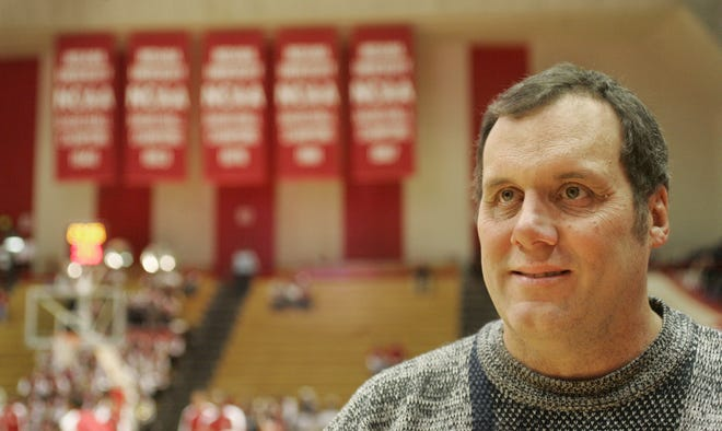 Terry Hutchens in 2006 was the IndyStar IU sports reporter.