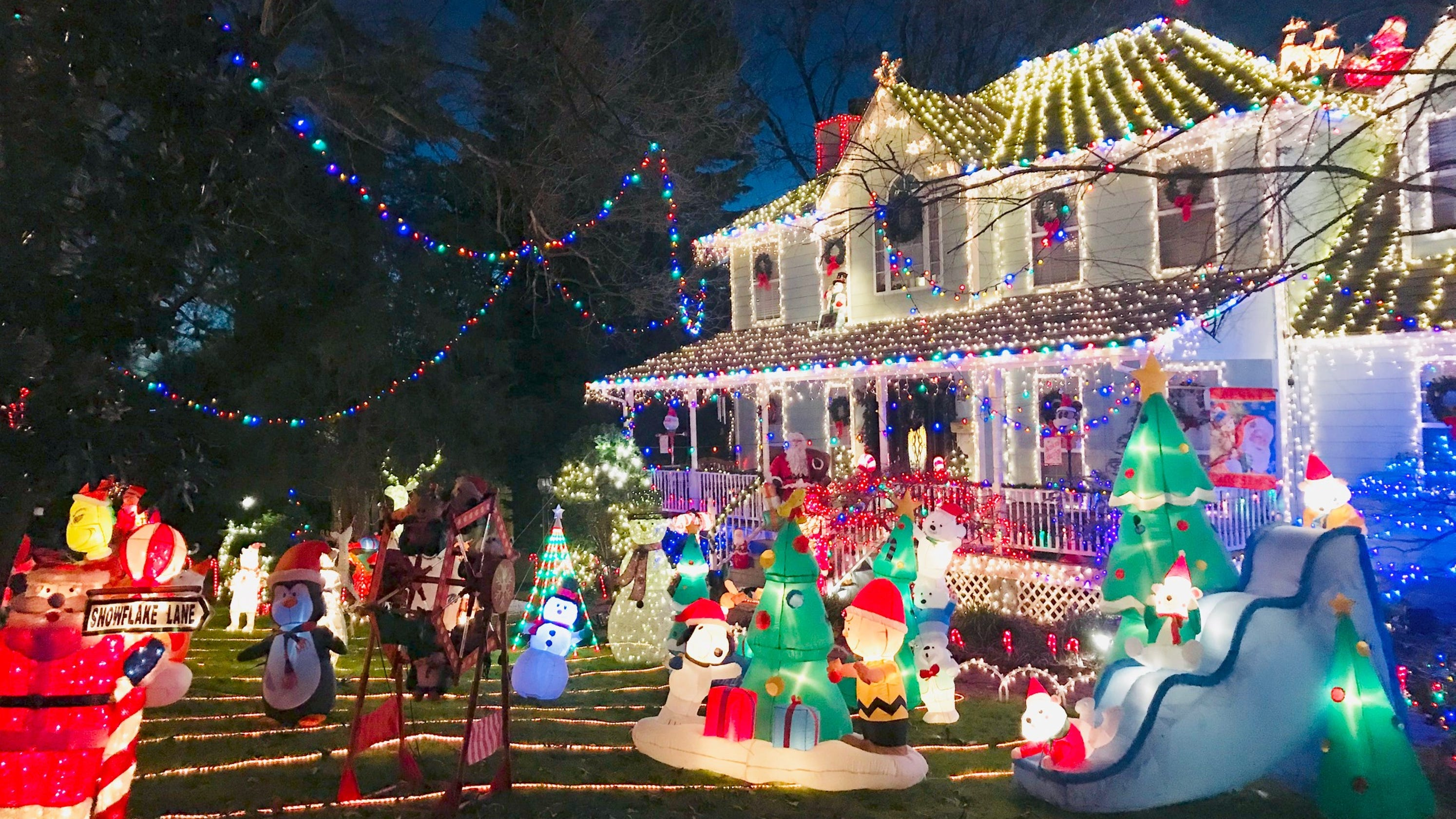 Christmas In Tennessee.Christmas 2018 21 East Tennessee Homes With Outdoor Holiday