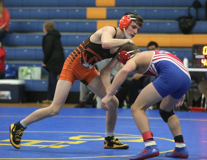 Mansfield Senior's Josh Lyons is off to an 18-0 start with three tournament titles.