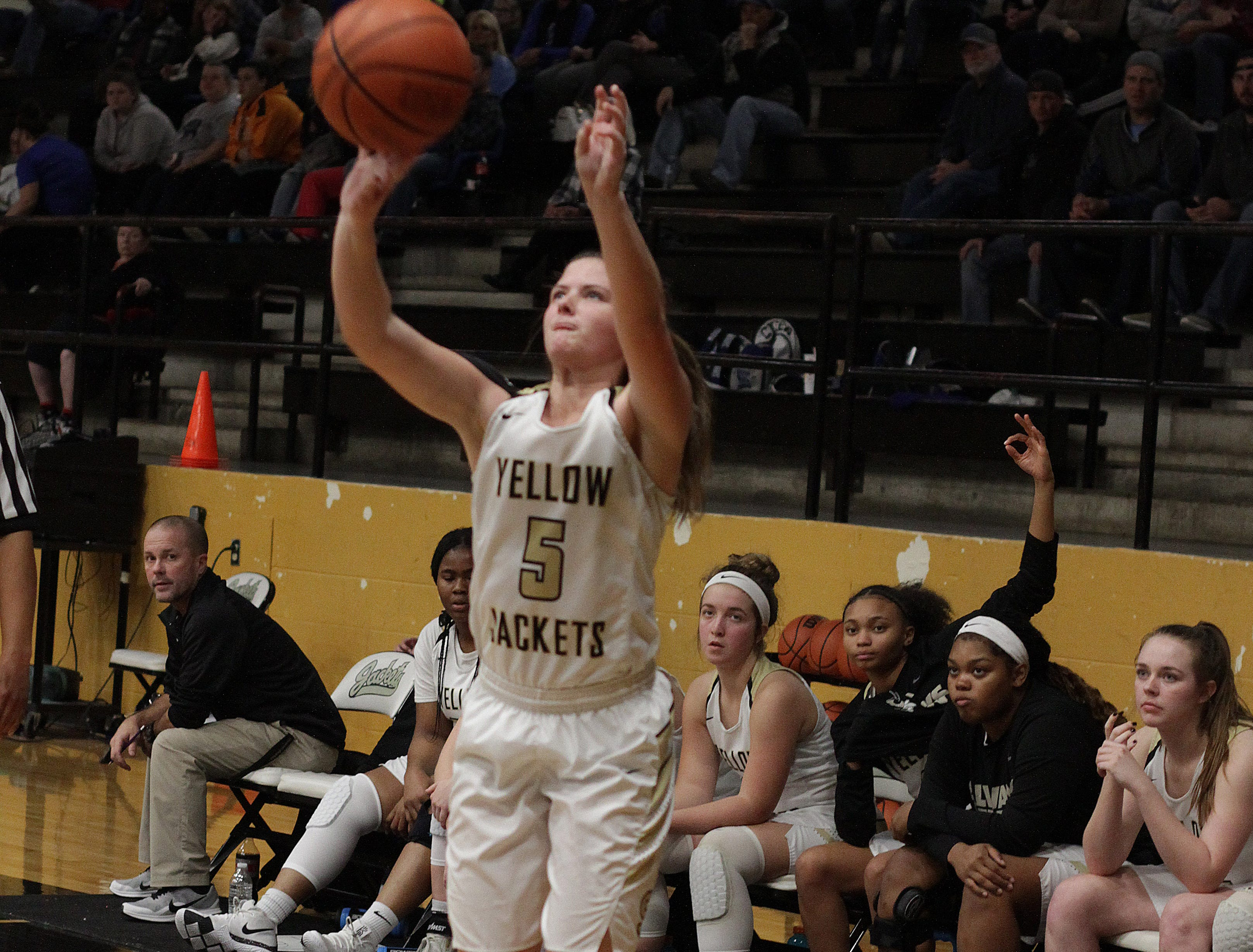 Springfield's Elizabeth Funk shoots a jump shot against White House on Tuesday, December 18, 2018.