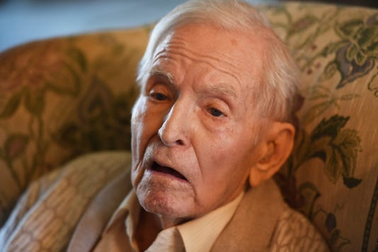 WWII Veteran Receives dog tag 2