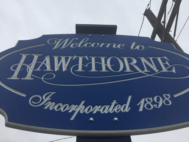 Borough of Hawthorne 'welcome' sign.