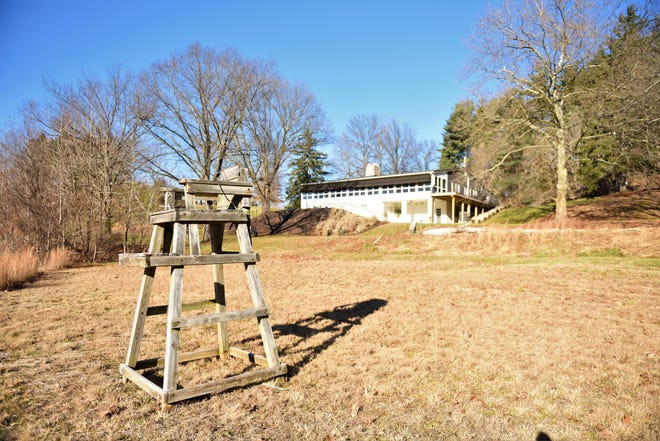 The lifeguard stand that used to overlook the lake at The Lake Club near Spring Grove.