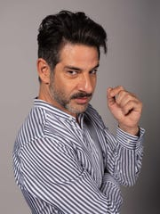"Miguel Rodarte stars in ""Perfectos Desconocidos."""