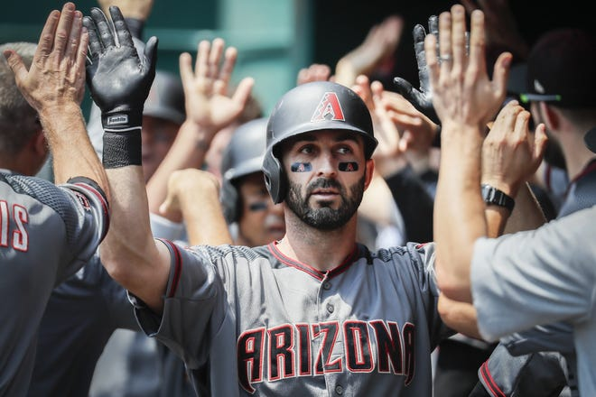 Daniel Descalso is headed to the Chicago Cubs.