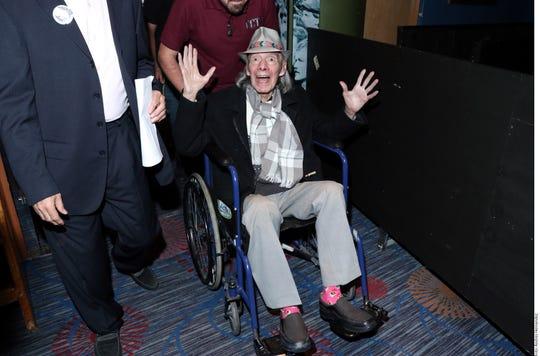 """Manuel """"El Loco"""" Valdés (foto), a su llegada ayer al Centro Cultural Teatro 2, para disfrutar su homenaje."""