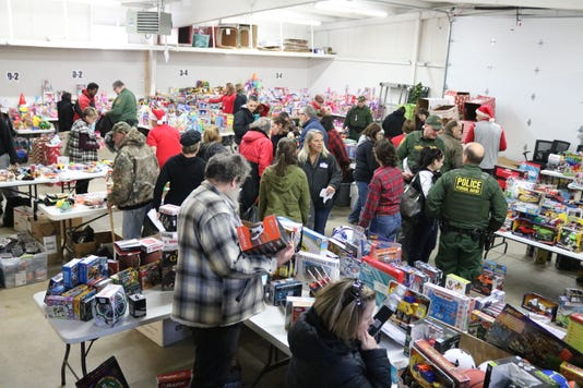 1 toys for tots Img 2819