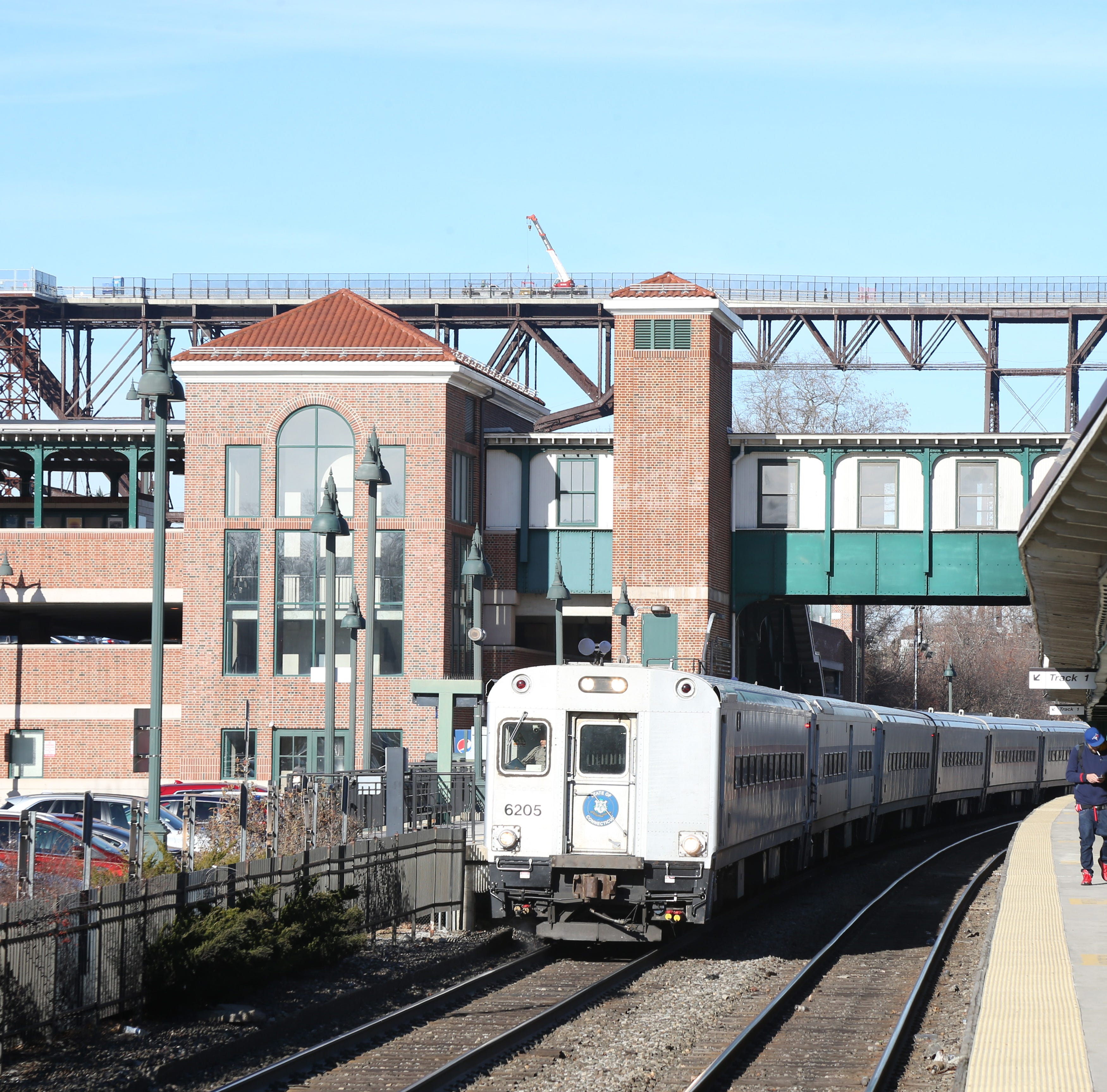 Metro-North pays engineers to stay home, while service west of the Hudson deteriorates