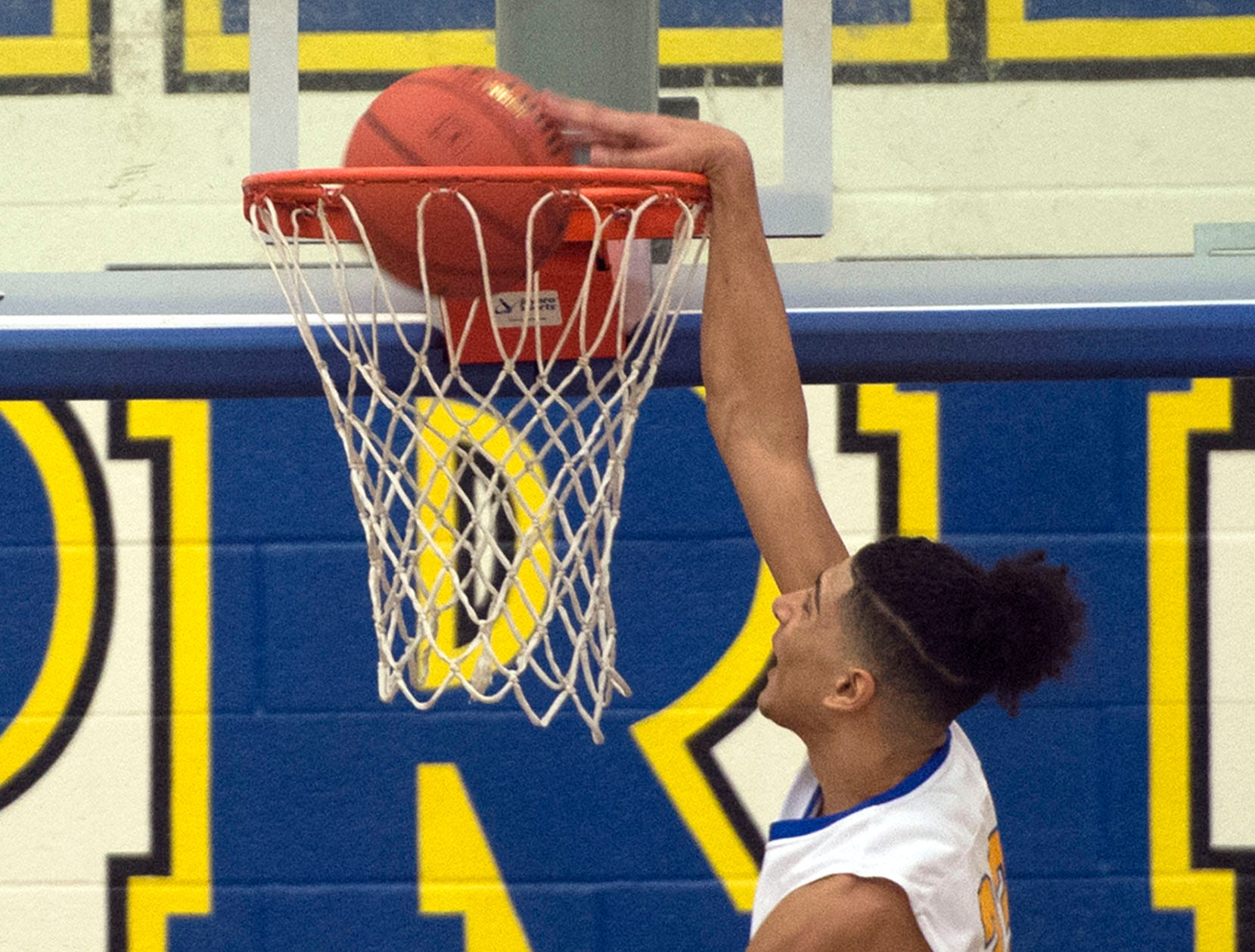 PHOTOS: Waynesboro defeated Shippensburg 72-59 during a home game